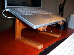 Build Simple Wood Desk by Best 25 Diy Laptop Stand Ideas On Pinterest Laptop Stand