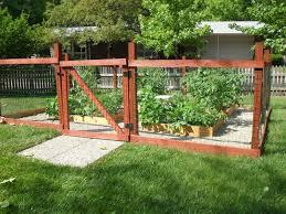 la familia hendrickson vegetable garden 2012