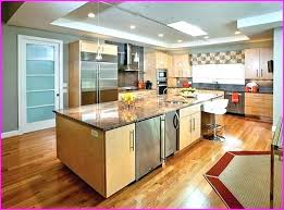 what color walls with oak cabinets what color laminate flooring with oak cabinets laminate