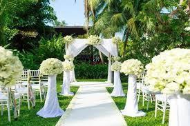 garden wedding venues take a look at this all white garden wedding venue