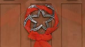 horseshoe wreath diy welding project mig welding a horseshoe wreath