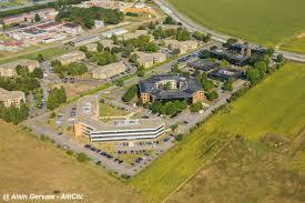 bureau urbanisme vue aérienne immeubles de bureau sur le plateau de saclay 91