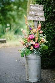 30 rustic country wedding ideas with milk churn flower