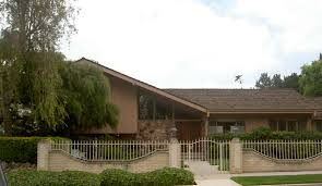 the real brady bunch house los angeles california the brady bunch house ransacked by burglars