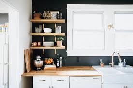deco cuisine grise deco cuisine gris dans une cuisine grise un mur couleur taupe