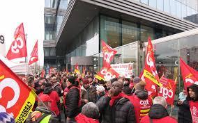 siege social carrefour massy 300 manifestants devant le siège de carrefour le