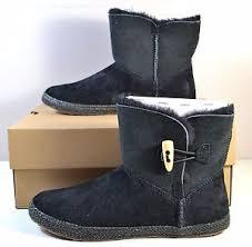 s ugg australia black boots nib s ugg australia black garnet toggle boots sz 6 5