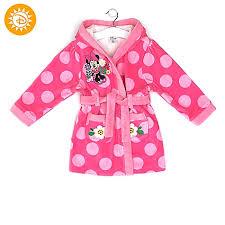 robe de chambre minnie peignoir en eponge minnie mouse pour enfants 2 ans petites