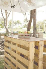 cuisine jardin salon de jardin palette bois fabrication avantages entretien