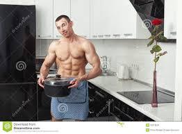 homme nu cuisine homme nu cuisine 28 images deshommes com soir 233 es c 233