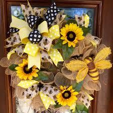 Sunflower Mesh Wreath Bumblebee And Sunflower Wreath With Burlap Mesh Www Facebook Com