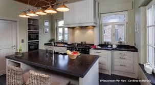 nettoyer cuisine entretien nettoyer la bleue dans une cuisine