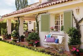 Romantic Home Decorating Ideas In Vintage Style Amplified With - Outside home decor ideas