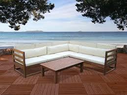 canapé d angle de jardin salon de jardin en bois d eucalyptus 5 places et une table basse