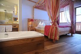 Schlafzimmer Zirbenholz Kaufen Skiurlaub Pauschale Advent 4 Für 3 U2013 Skihotel Steiermark