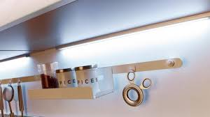 lumiere led pour cuisine le poser industrielle clairage galerie avec reglette led pour