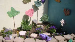 arts and crafts ideas for home decor kid friendly urban garden art project concrete leaves
