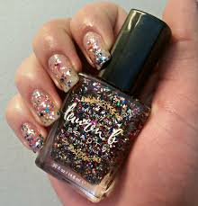 beauty alert dazzle this new year u0027s eve with glitzy nails and