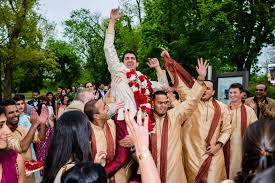 Wedding Venue Taglines 8 Bollywood Songs To Set The Groom U0027s Entry To The Wedding Venue On