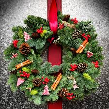 order your bespoke beautiful and aromatic christmas wreaths table