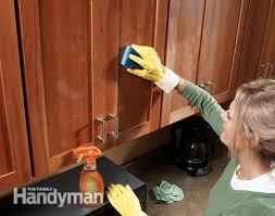 How To Clean Kitchen Cabinet Doors How To Clean Grease From Kitchen Cabinets Ingenious Design Ideas