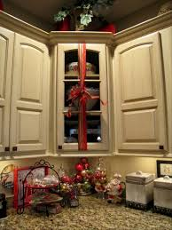 christmas decorations for kitchen cabinets kitchen cabinet christmas decorating ideas coryc me