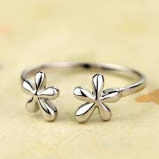 friendship rings meaning what is the definition of a friendship ring engagement rings