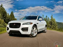 jaguar jeep 2018 2017 jaguar f pace pulling off rare suv feat car reviews auto123