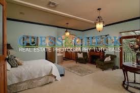 lighting a master bedroom with small flashes for real estate