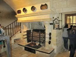 cuisine chateau cheminée dans la cuisine picture of chateau de chenonceau