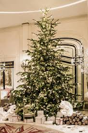 christmas in paris the most beautiful trees of 2016 vogue paris