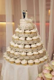 cupcake wedding cake 30 best weddings with magnolia bakery images on