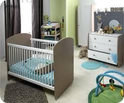 chambre bébé taupe et vert anis chambre enfant chambre bacbac fille vert anis pente mobilier bois
