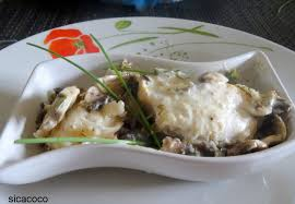 cuisiner un filet de julienne filet de julienne a la creme et aux champignons les carnets de