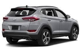 hyundai tucson consumer reviews 2017 hyundai tucson overview cars com