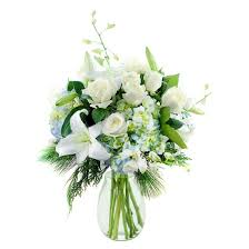 Roses And Lilies Kabloom Winter U0027s Majesty Roses And Lilies Fresh Flower Arrangement