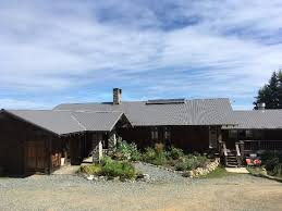 wood mountain lodge updated prices reviews photos courtenay