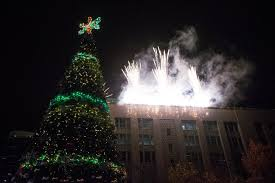 at the downtown seattle tree lighting all are on the sky