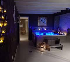 hotel avec jaccuzzi dans la chambre chambres avec privatif pour un week end en amoureux