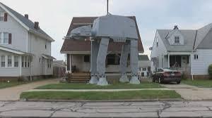 man builds 2 story u0027star wars u0027 vehicle replica for halloween