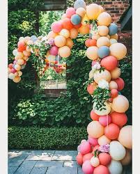 wedding arch balloons 35 clever ways to decorate with balloons sweet simple and budget