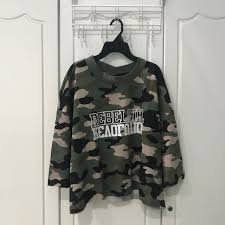army pattern crop top h m army crop top women s fashion clothes tops on carousell