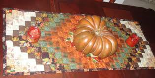 learn to sew a thanksgiving table runner around the world pattern