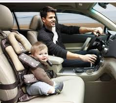 siege auto passager avant le plus sûr dans la voiture pour un siège enfant