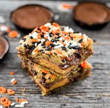 halloween candy cake candy stuffed chocolate chip cookie bars joyfoodsunshine