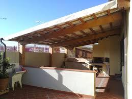 montaggio tettoia in legno in legno costruzione montaggio