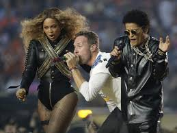 Chris Martin Meme - super bowl 2016 twitter erupts with memes after beyonce upstages