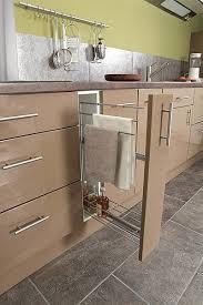 torchons cuisine accroche torchon coulissant excellent confiturier meuble de