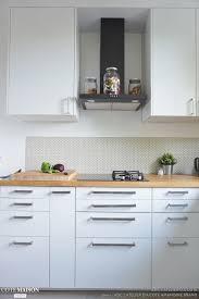 cuisine cote maison une cuisine lumineuse blanche et bois adc l atelier d à côté côté
