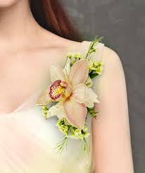 wedding flowers for guests fresh flower shoulder corsage ideas for wedding guests